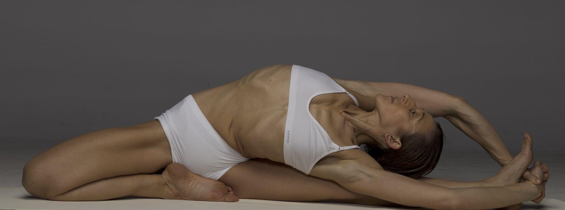 VÍDEO - Aprende a fazer uma Sequência de Yoga de 30 minutos