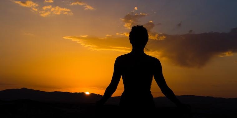 Vem aprender um conjunto de técnicas básicas neste curso de meditação, que podes integrar facilmente no teu dia a dia.